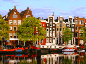 Tips for Touring the Red Light District in Amsterdam