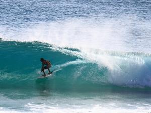 Australian Adventures: Top 5 Surf Spots Down Under