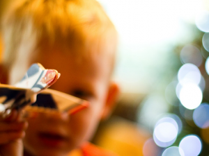 How To Keep The Kids Happy On International Flights: 10 Top Tricks