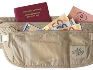 The Most Effective Ways To Carry Cash When Travelling Abroad