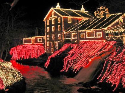 4 Festive Christmas Destinations Across The World
